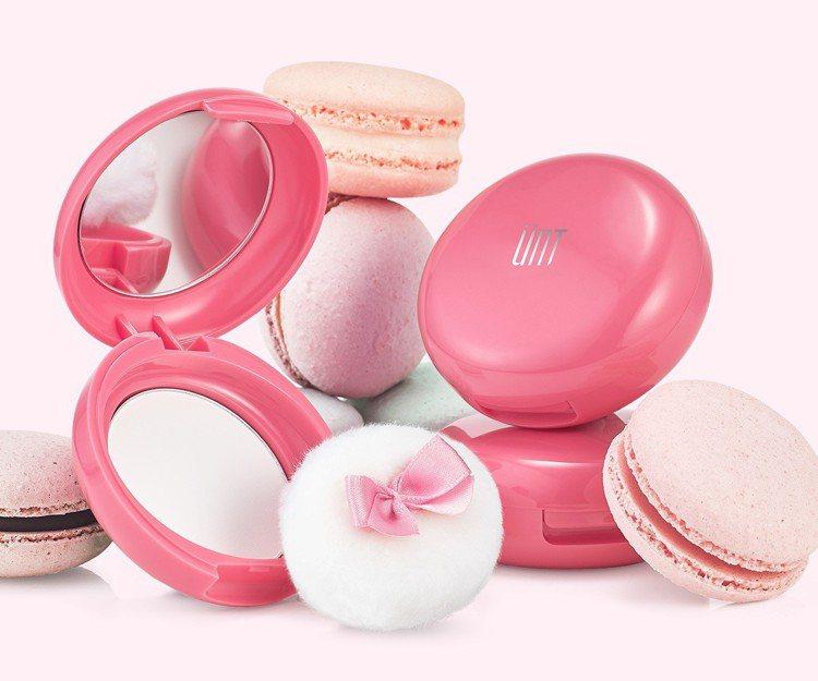 UNT完美持久吸油蜜粉粉紅限量組,售價259元。圖/UNT提供