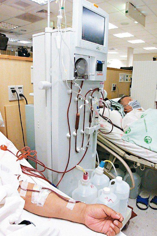 洗腎示意圖,圖中人物與新聞無關。 圖/本報資料照片