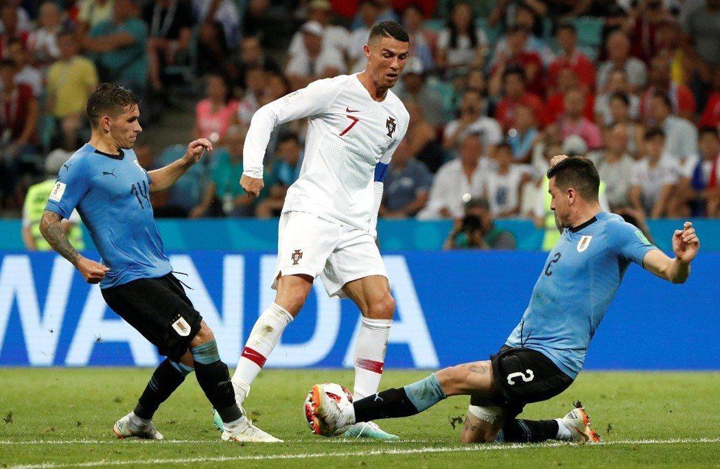 C.羅納度(Cristiano Ronaldo)領軍葡萄牙苦戰,仍以1:2敗給烏...