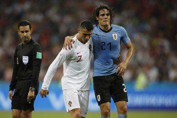 最感人一幕!烏拉圭致勝功臣受傷 C羅攙扶離場全場感動