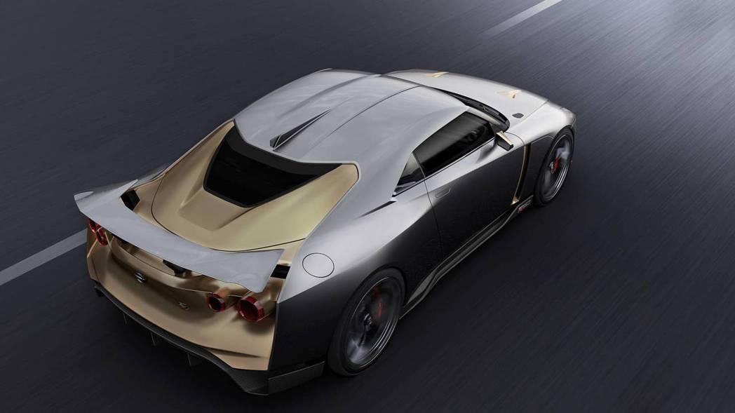 車尾的流線空力造型就頗有義大利跑車的味道。 摘自NISSAN