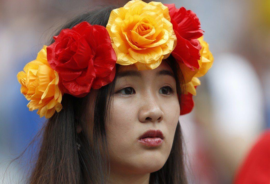西班牙有著東方臉孔的美女球迷。 美聯社