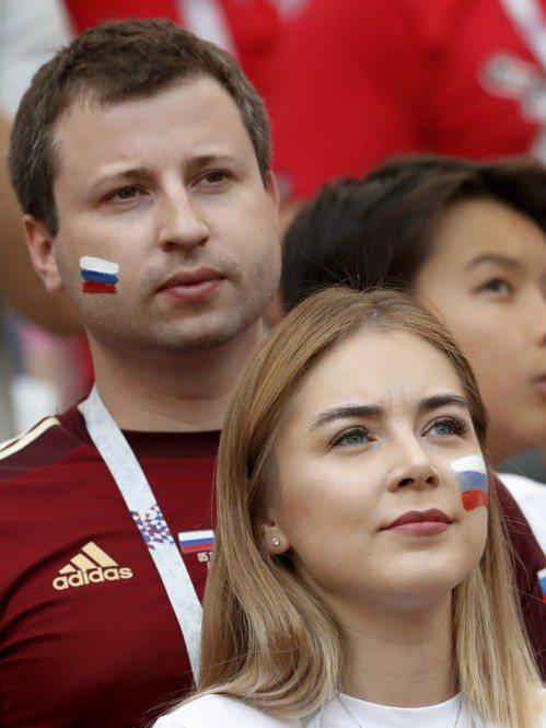 俄羅斯美女球迷。 美聯社