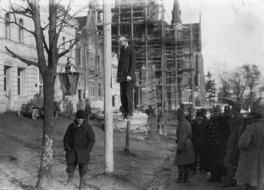 蘇聯國內的「紅色恐怖」曾短暫出現在匈牙利的共產政府,而後由軍人取得政權後,意圖打...