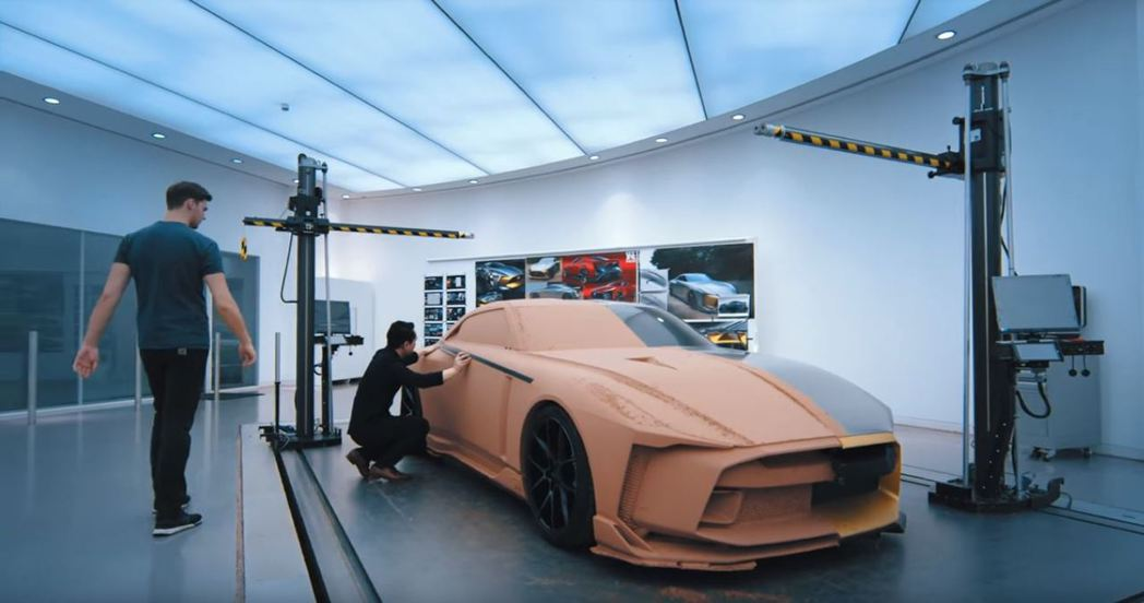 設計師正在努力製作這台以2018 GT-R NISMO為基礎的GT-R50。 摘自NISSAN