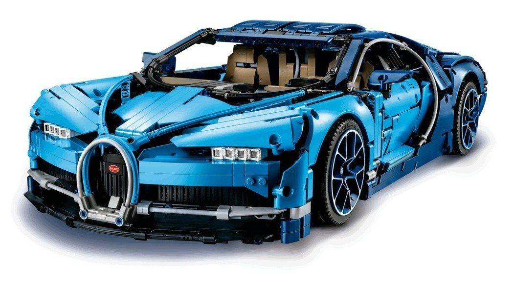 樂高Bugatti Chiron 42083,建議售價15,599元,限量50台,首賣每人限購一台。圖/台灣樂高提供
