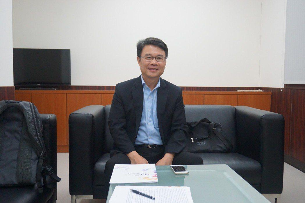 高雄長庚醫院前任院長李炫昇教授。 楊連基/攝影