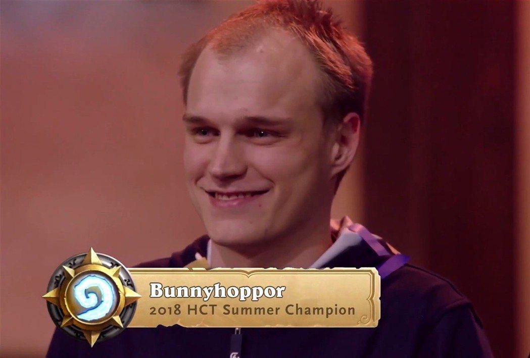 恭喜德國選手Bonnyhoppor奪下2018年《爐石戰記》HCT夏季冠軍賽冠軍...