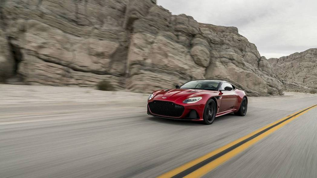 715hp的極限動力,能夠挑戰各家旗艦超跑嗎? 摘自Aston Martin