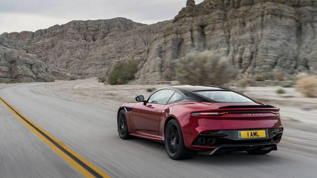 Aston Martin DBS Superleggera。 摘自Aston Martin