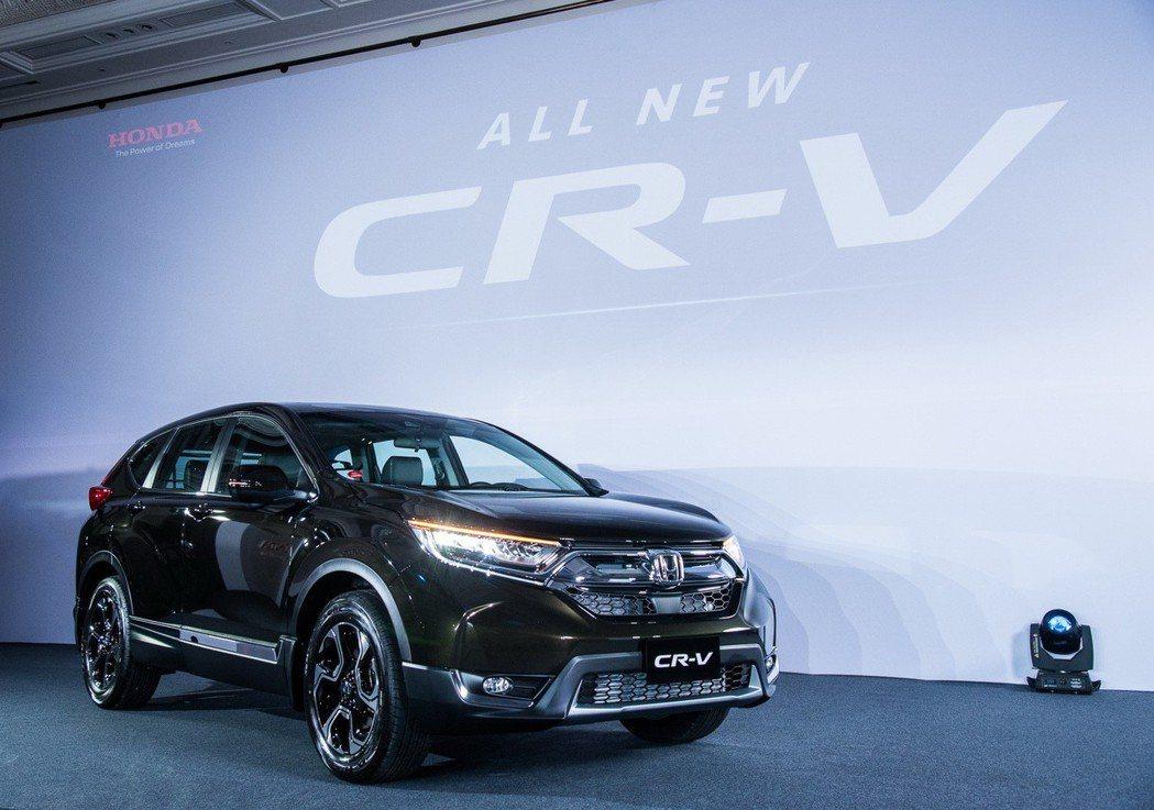 Honda CR-V以強勢的銷售表現擊敗TOYOTA RAV4,拿下上半年休旅車銷售冠軍。 圖/台灣本田提供