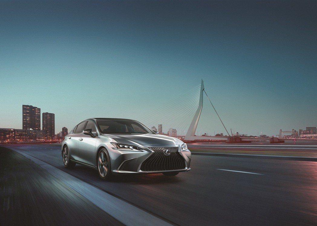 新一代ES搭載LEXUS全新開發的GA-K新世代高剛性底盤 自即日起接受客戶預訂...