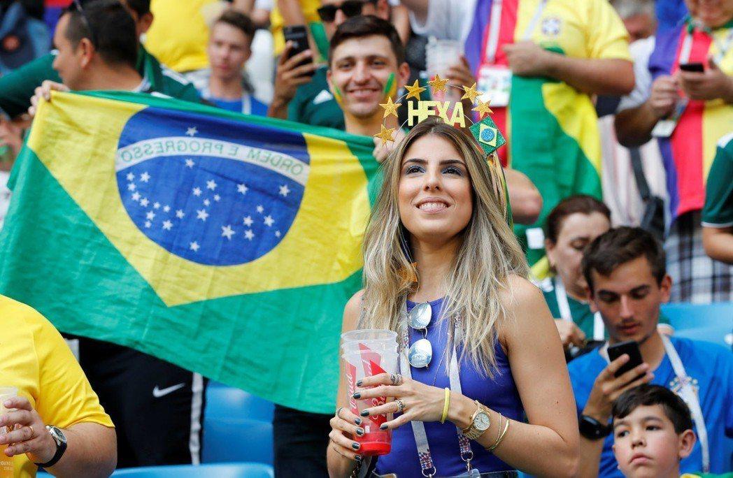 現場巴西美女球迷。 路透