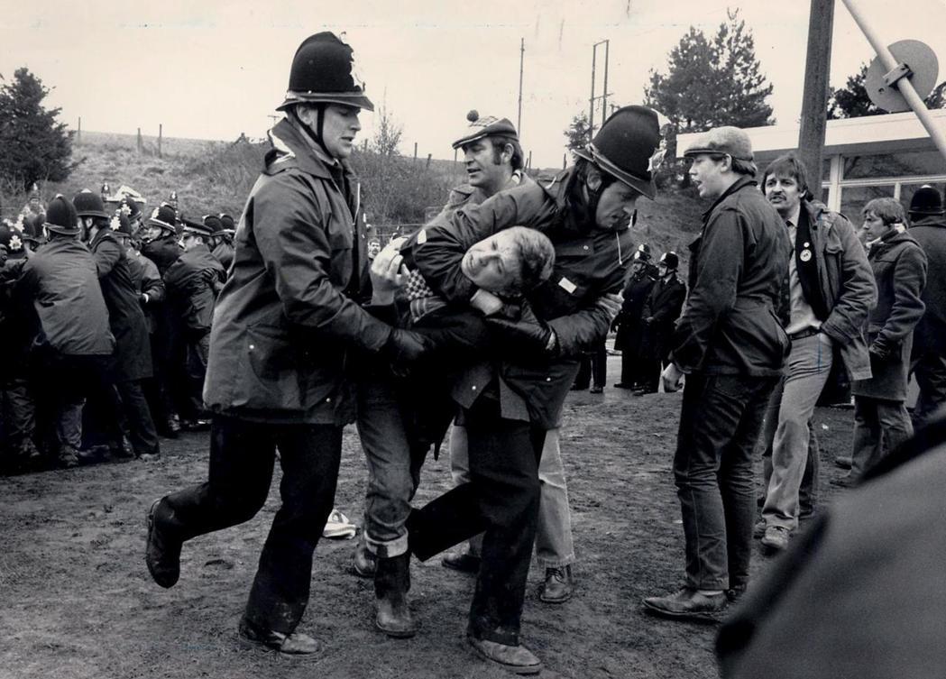 1984至85年的礦工大罷工慘敗後,工會分裂,直至九零年代礦業的私有化,使得礦工...