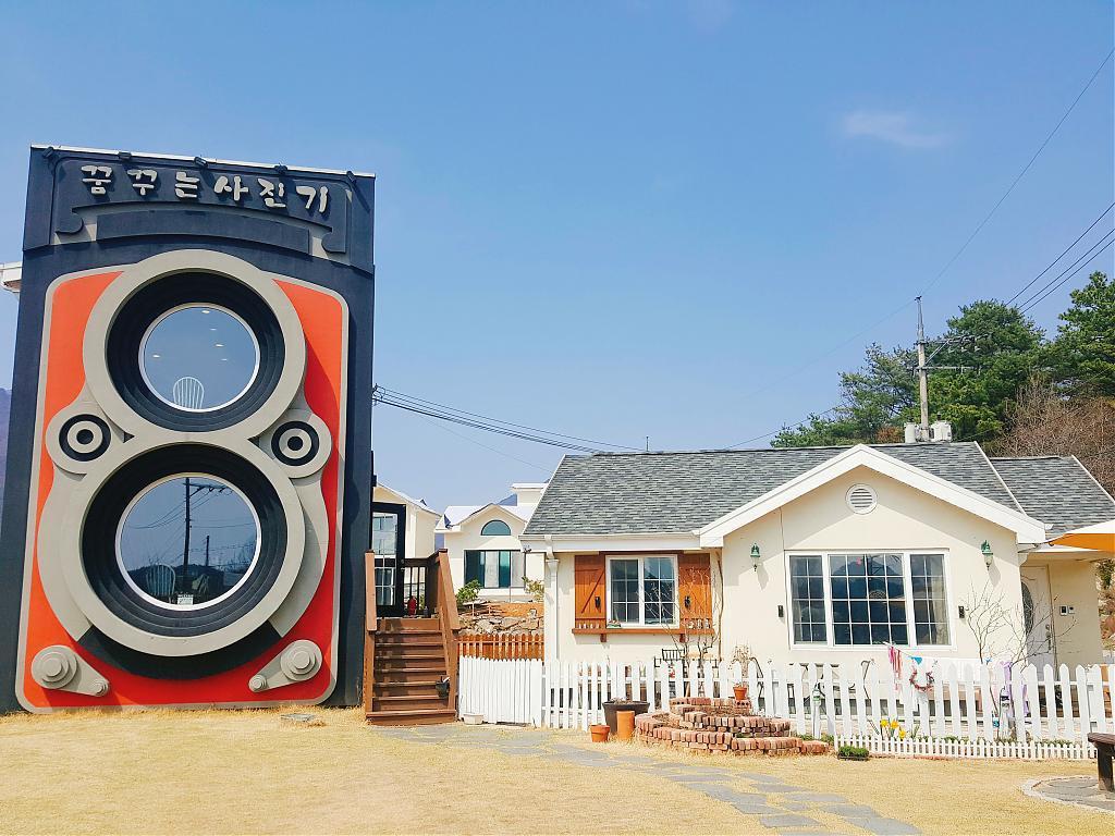 ▲首爾咖啡廳-夢想相機咖啡廳。(圖/Tripbaa趣吧!亞洲自由行專家)