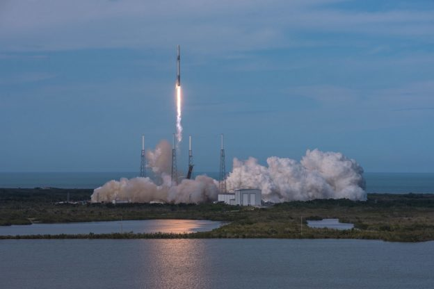 (首圖來源:Flickr/Official SpaceX Photos CC B...