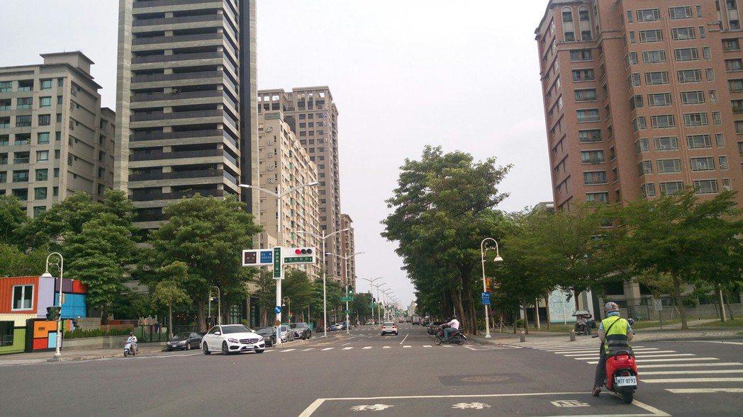 高雄美術館重劃區街廓整齊,屬優質生活圈,人文氣息濃厚,加上區內大樓的質感不錯,屋...