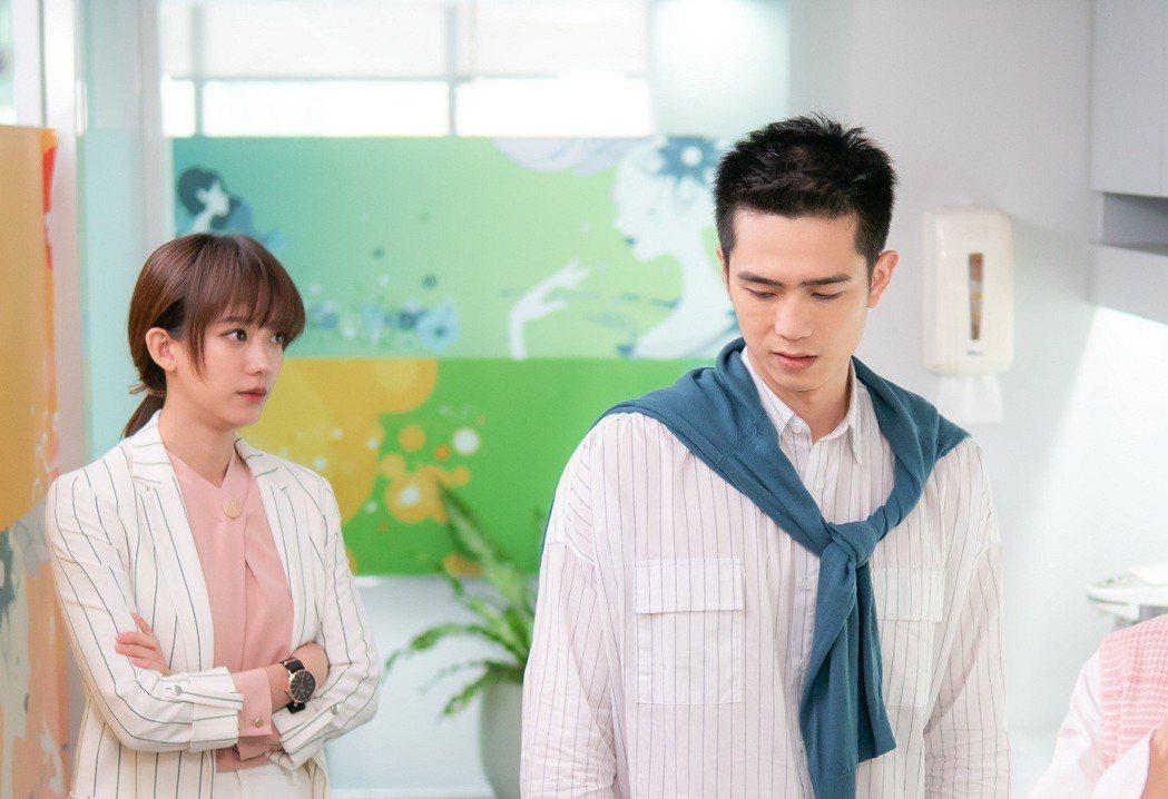 孟耿如(左)、利晴天在「高塔公主」中的互動受矚目。圖/台視提供