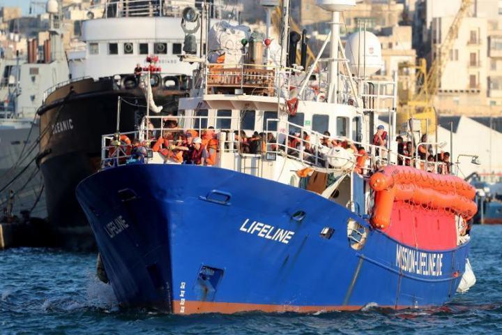 歐洲地中海上的人道救援船「生命線號」。 (歐新社)
