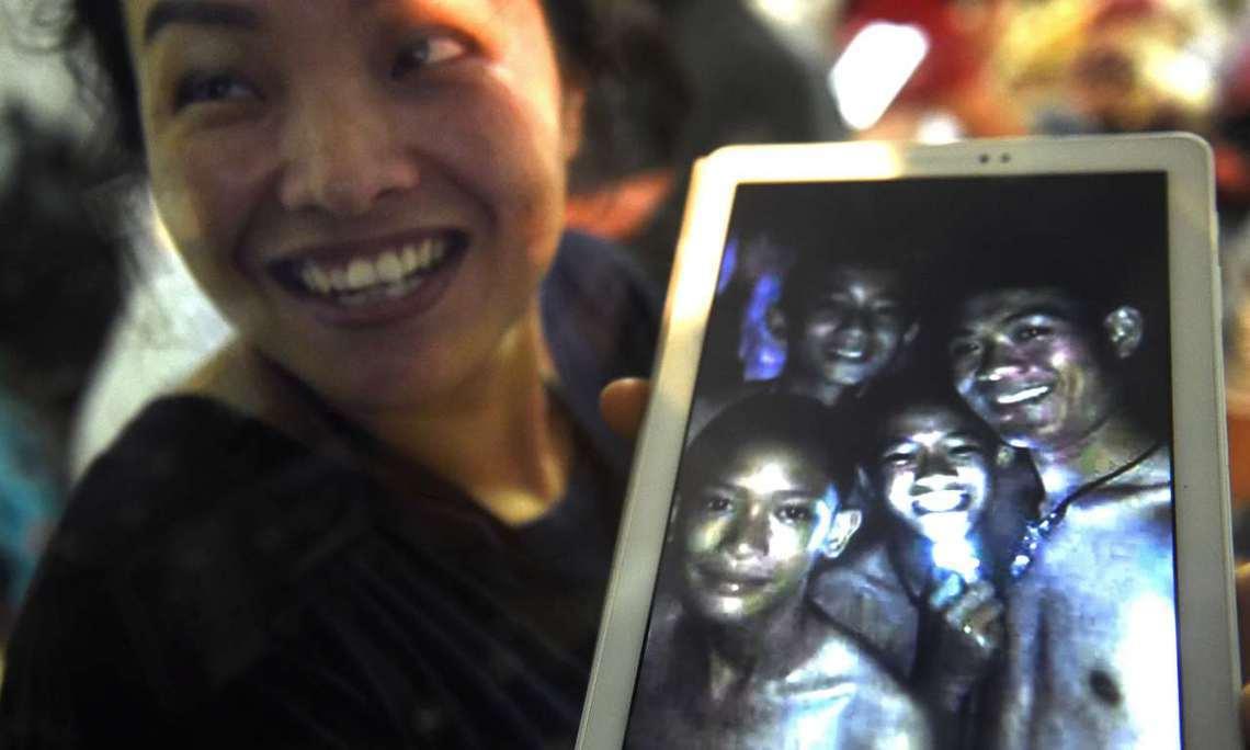 在泰國清萊府洞窟失蹤的足球少年團,歷經長達9天、動員7個國家團隊、超過1,000...