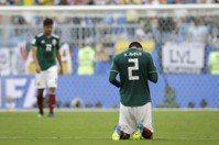 巴西攻守技高一籌 墨西哥連7屆跨不進8強