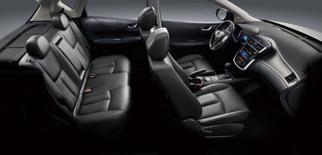 TIIDA配備 NISSAN獨家專利3D超體感紓壓皮椅,並選用3M高效隔音材質,強化車內質感與舒適性,旗艦版以上更搭載「PM2.5清淨冷暖三合一恆溫空調」,打造舒適、清淨的TIIDA魔術大空間。 圖/裕隆日產提供