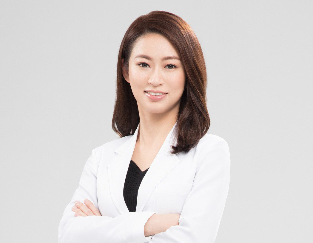 林佳蒨醫師提醒,薇薇電波術對於維護女性私密健康及生活自信皆很有幫助。久明診所/提...