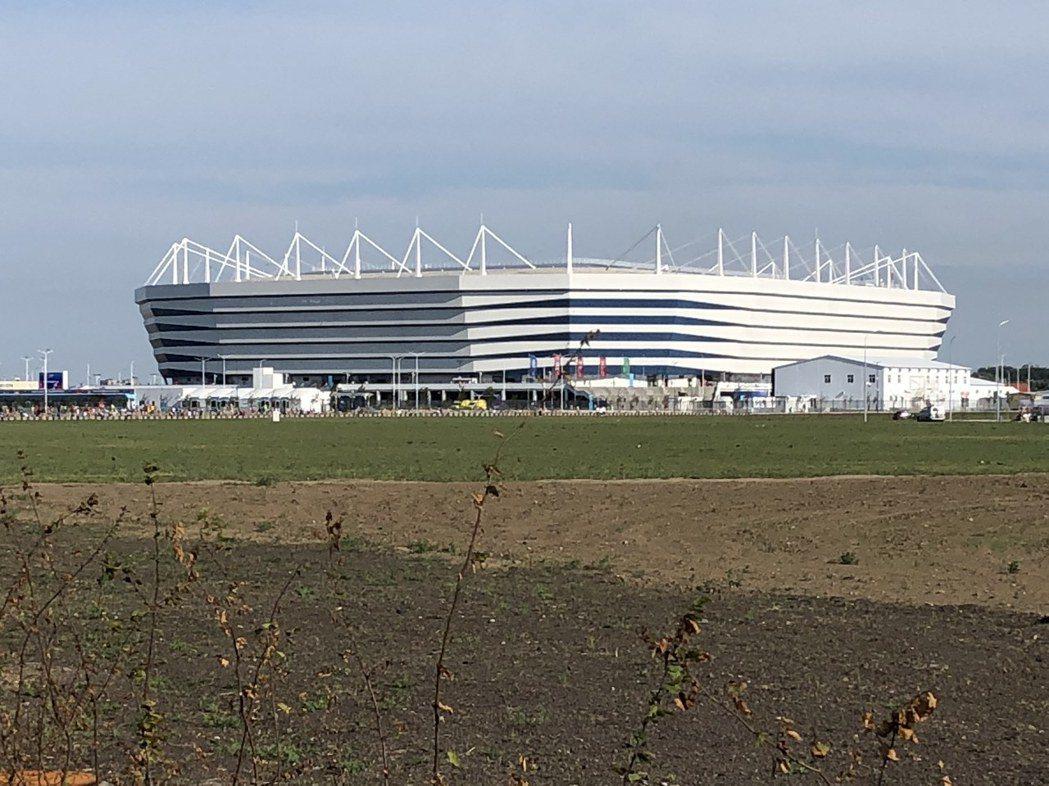 才剛蓋好不久的加里寧格勒球場。 圖/關之恆攝影