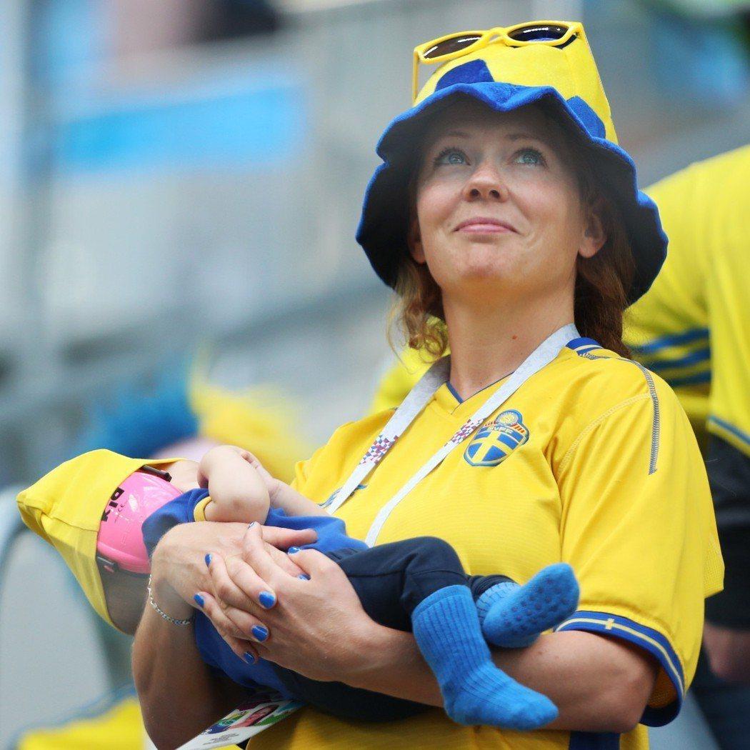 瑞典球迷。 路透