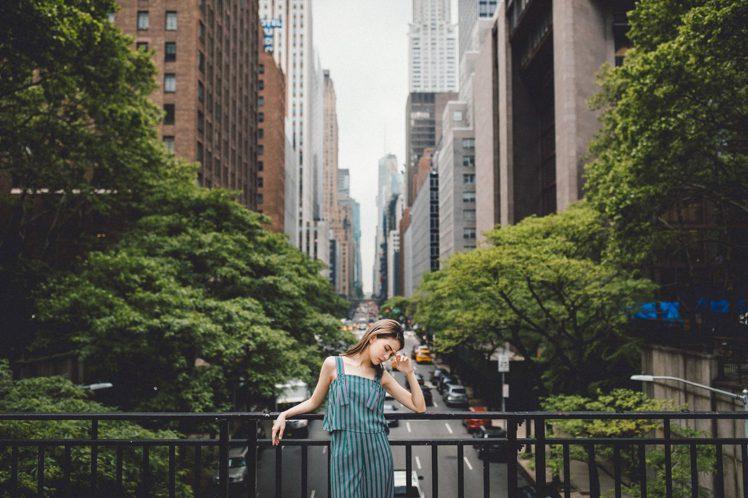 昆凌前往紐約拍攝品牌形象片。圖/JENDES提供