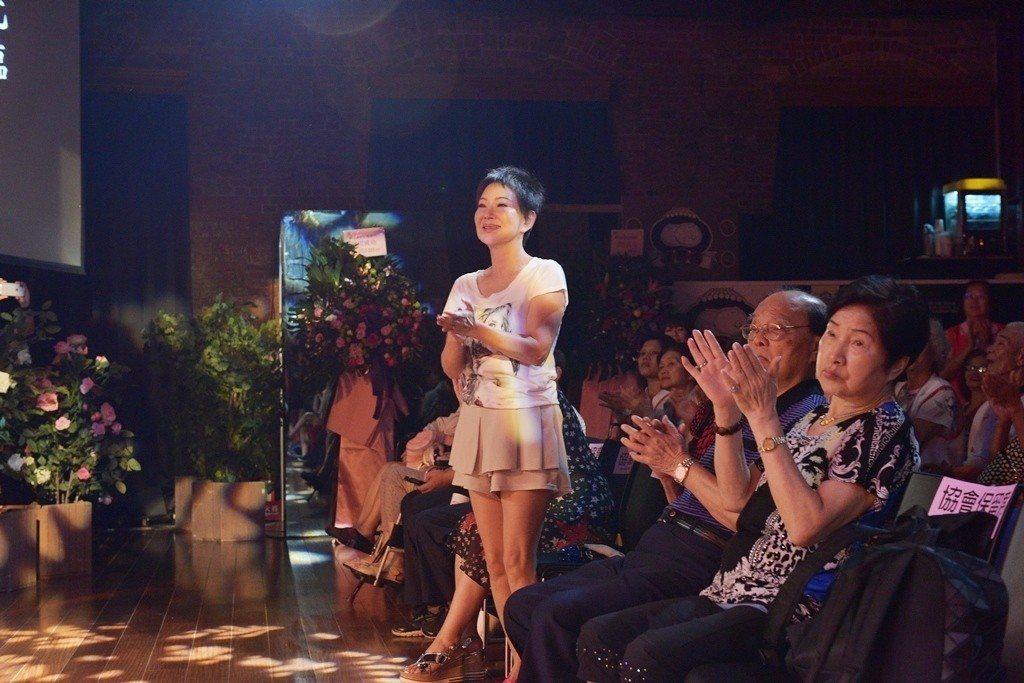司馬玉嬌出席陳亞蘭歌仔戲「黑家店」活動。圖/台灣優質生命協會提供