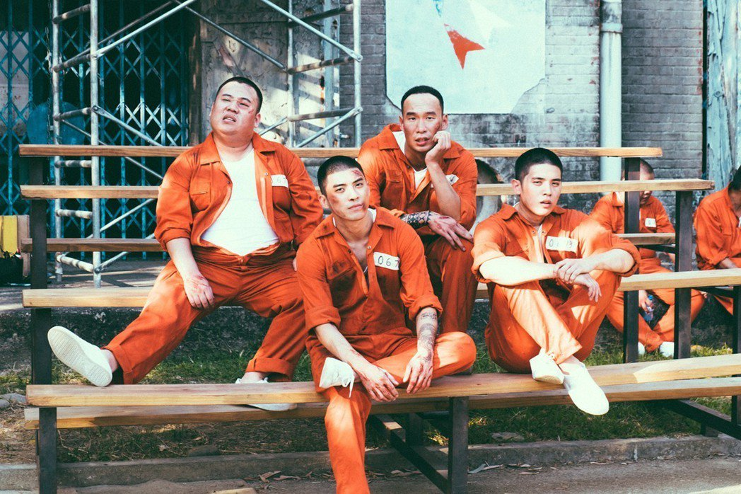 劉國劭飾勞斯萊斯(左一)林哲熹飾雷宇威(左二)邱俊儒飾迪迪(右二)歐陽倫飾男優(