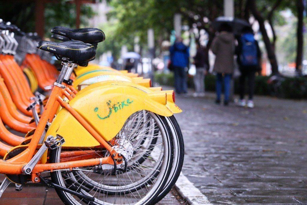 令柯文哲市長自豪的Youbike和自行車專用道,至今仍是虎頭蛇尾。 圖/聯合報系...