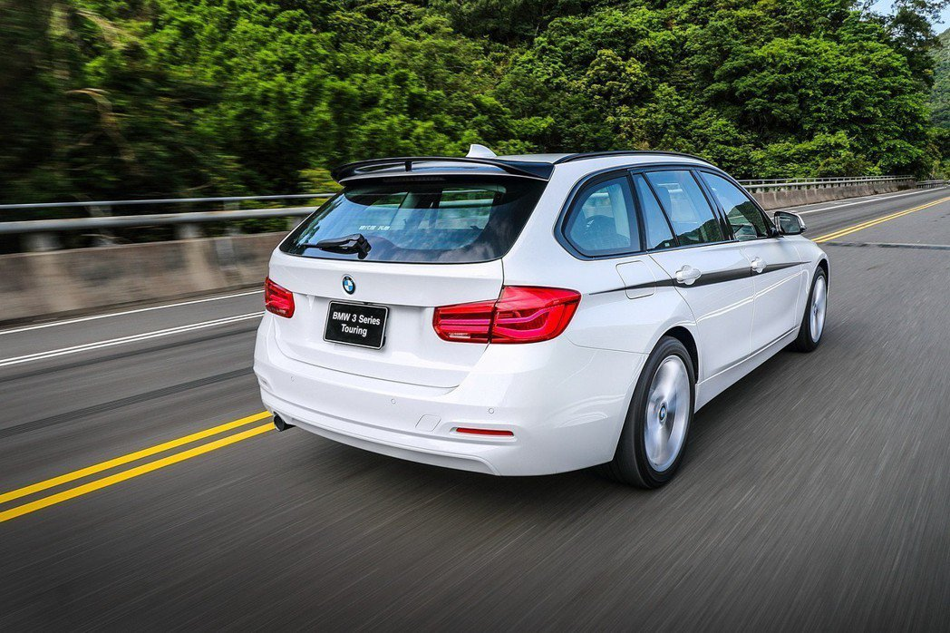 2019年式BMW 3系列Touring M Performance Edition全面升級M Performance套件。 圖/汎德提供