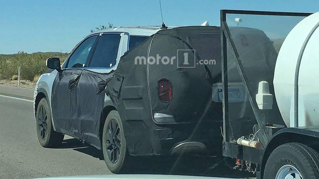 全新Hyundai Palisade測試車。 摘自Motor 1