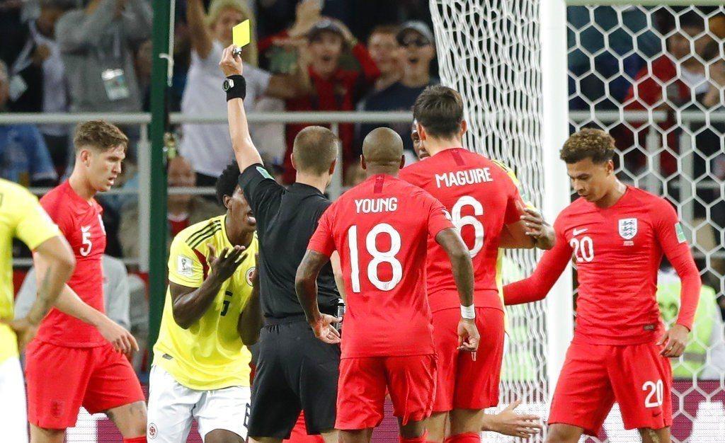 哥倫比亞與英格蘭之戰黃牌滿天飛,但桑契斯這張黃牌代價是最沉重的12碼罰球。 美聯...