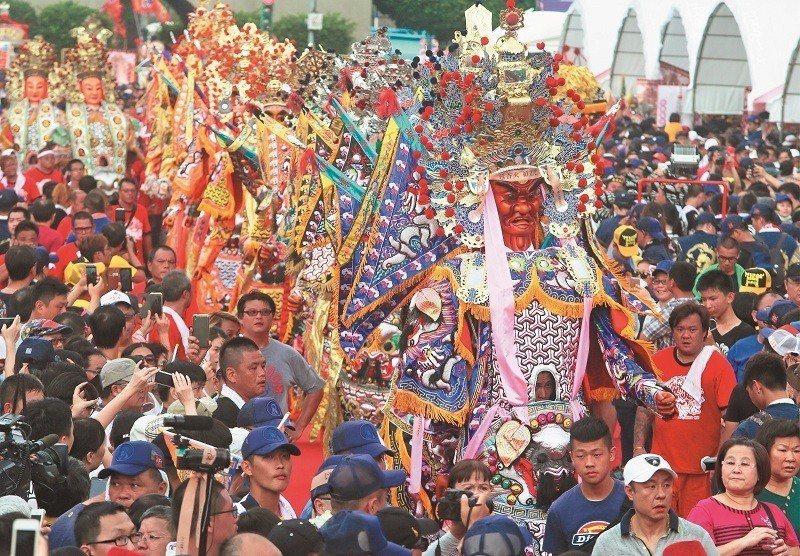 滅香傳聞引發宗教團體群起抗議。 攝影/柯承惠