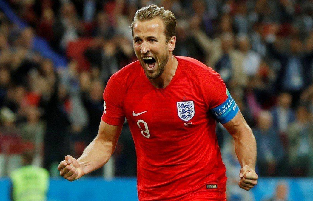 下半場英格蘭隊長凱恩率先以12碼罰球踢進一球領先。 圖/路透