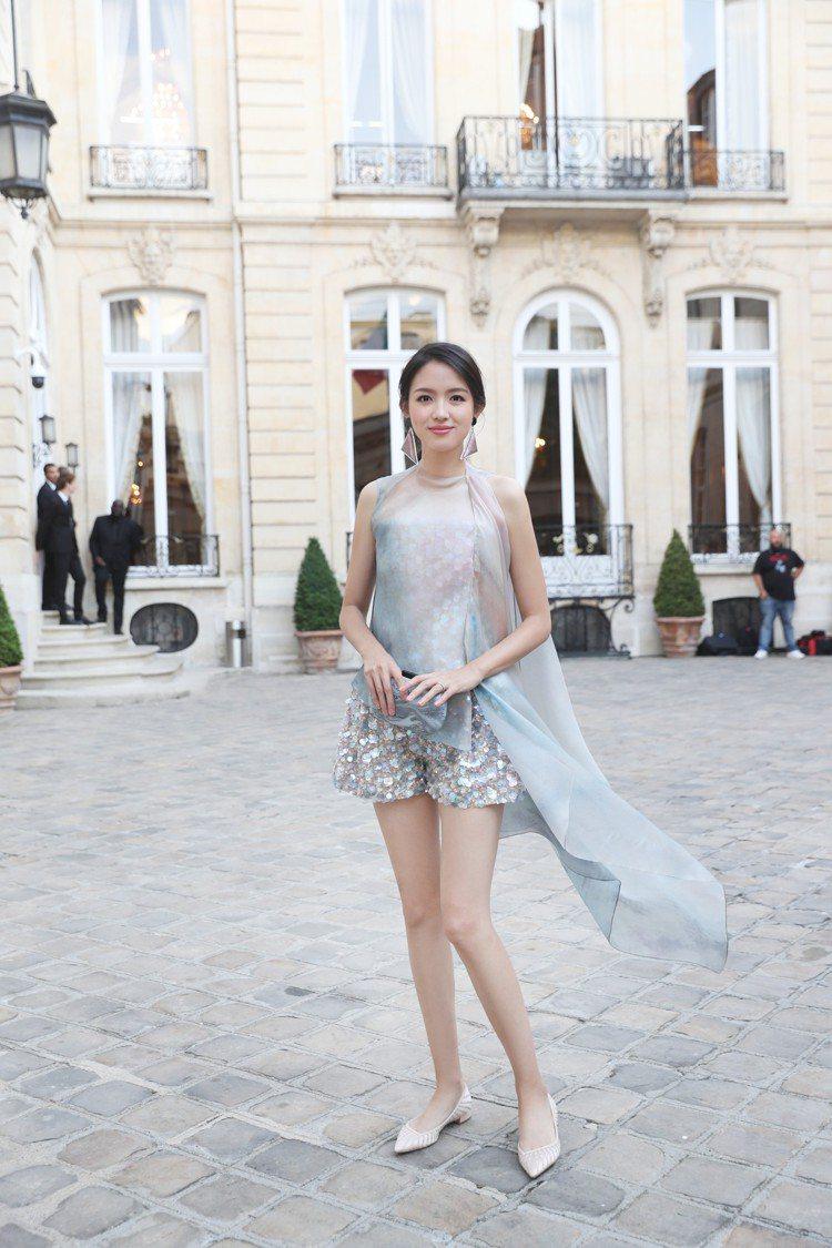 張梓琳身穿2018春夏高級訂製服出席大秀,長腿實在美得不甚科學。圖/Giorgi...