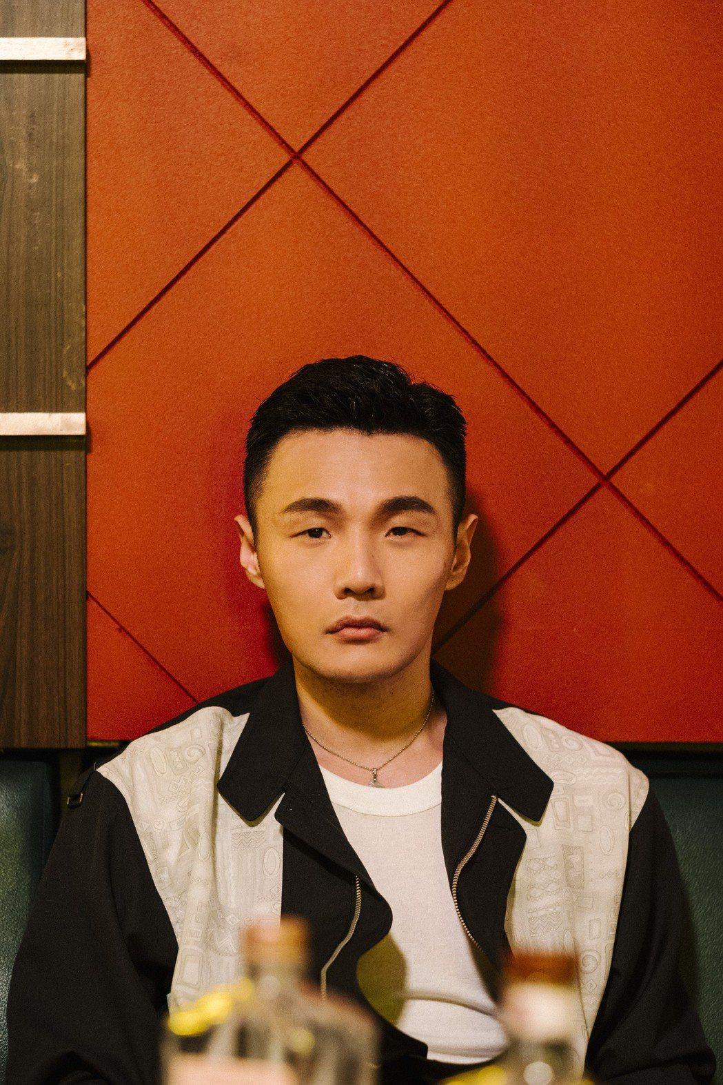 李榮浩新歌「王牌冤家」MV。圖/華納音樂提供