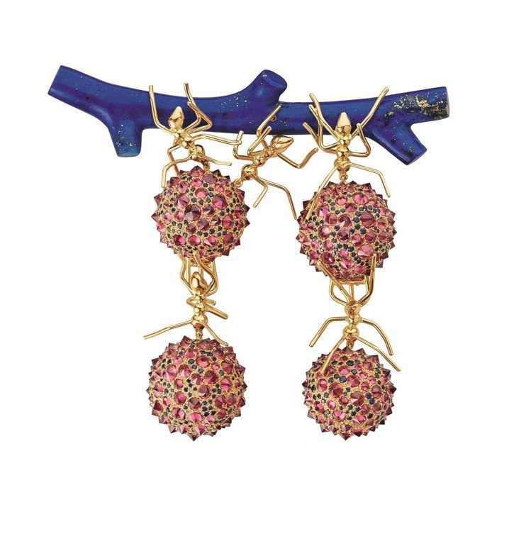 Espiègleries螞蟻胸針,18K白金、黃金和玫瑰金,鑲嵌大名火琺瑯、粉紅...