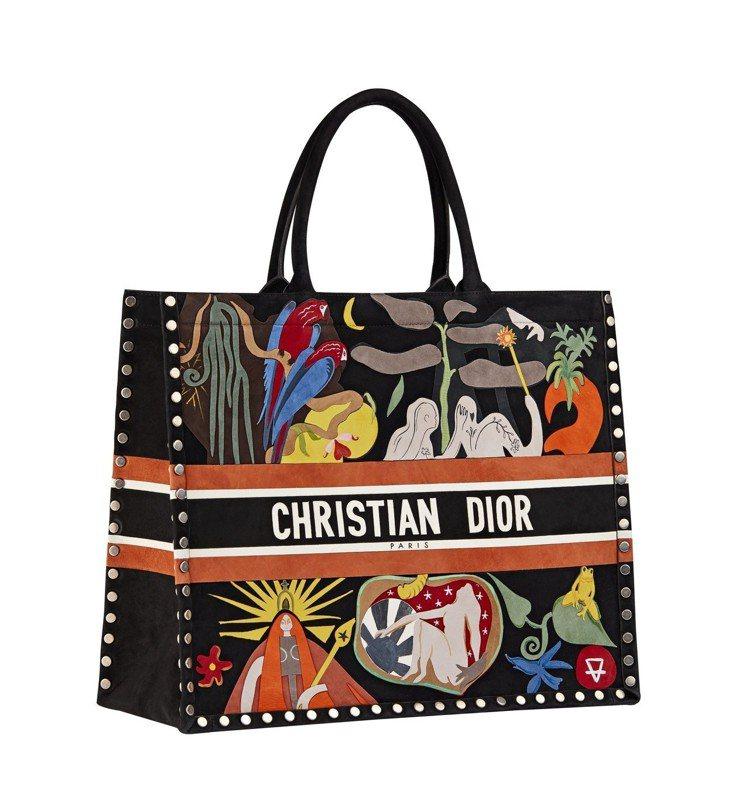 黑色麂皮托特包,13萬5,000元。圖/Dior提供