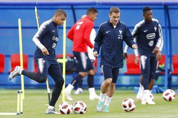 世足8強戰 姆巴佩扛法國進攻、烏拉圭擬棄攻拚防