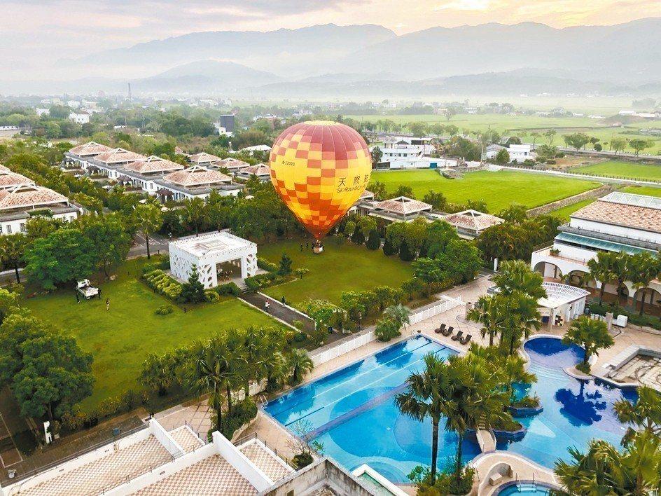 池上日暉為台灣最美的飯店,搭上熱氣球活動,讓住客不用排隊,輕鬆參與台東熱氣球嘉年...