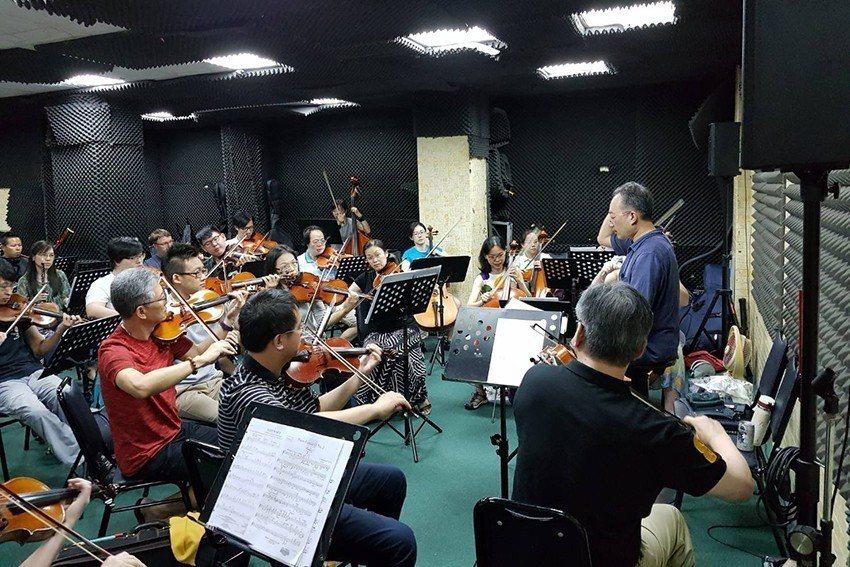 市民交響樂團希望用音樂來替社會帶來更多溫暖正面的力量。 台北市民交響樂團/提供