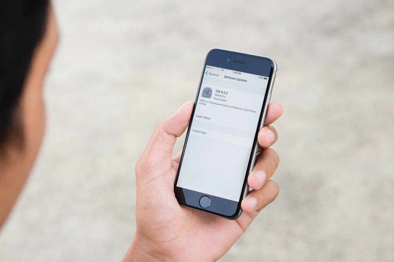 Iphone示意圖。Ingimage