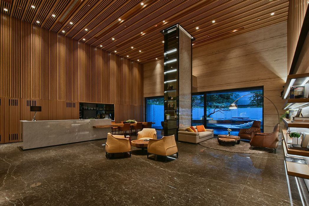 「京懋会」氣派門面大廳,讓創業者接待訪客時,都能宛如在咖啡館中享受最佳氛圍。