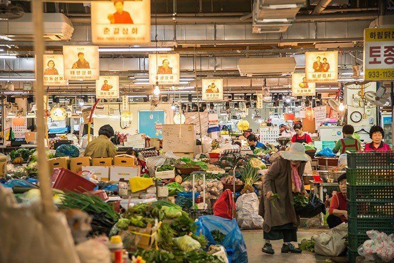 江華風物市場滿滿傳統特產大飽口福。