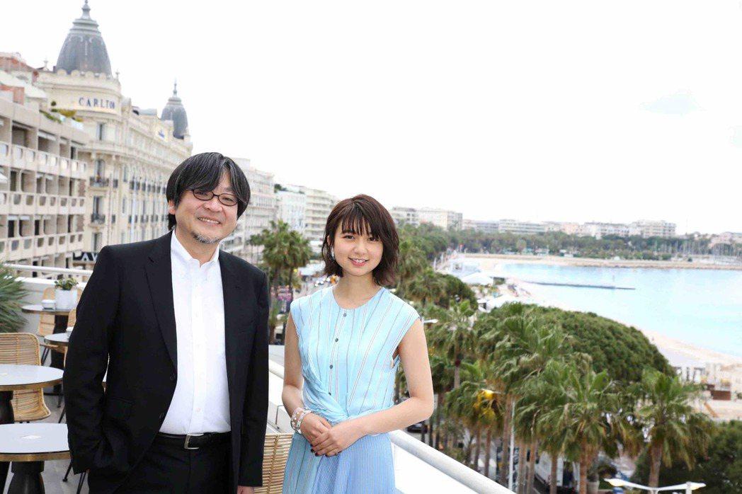 細田守導演與主要配音演員白石萌歌。圖/傳影互動提供