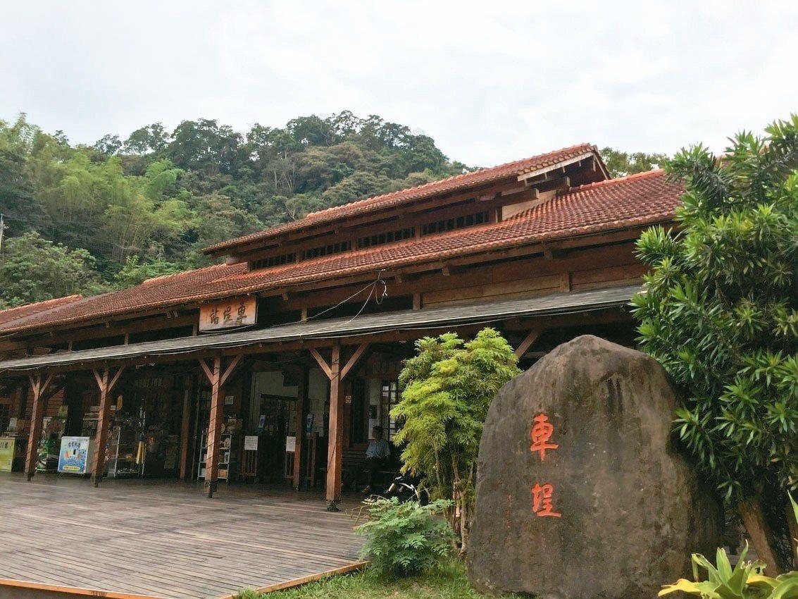 車埕是鐵道集集線終點,鐵道文物和木業文化結合,呈現獨特的旅遊特色。 記者江良誠/...